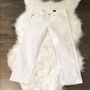 AG Adriano Goldschmied white Tomboy Crop Jeans. 28